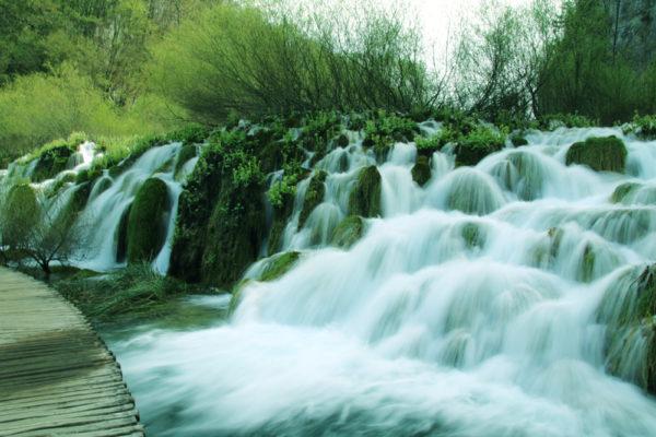 ザグレブから絶景プリトヴィツェ国立湖群公園への行き方と公園内散策ルートを紹介@クロアチア【海外観光情報】