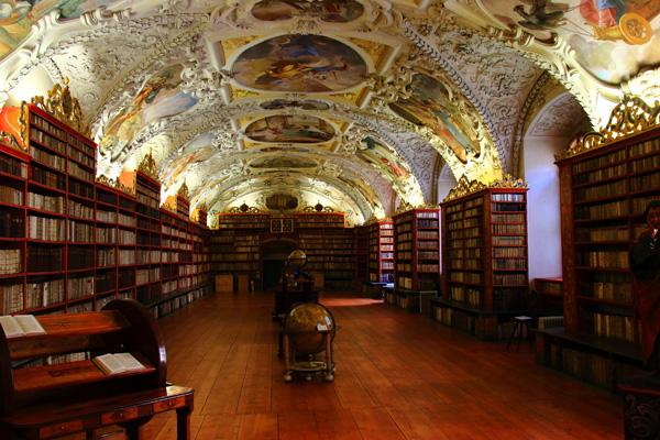 プラハにある世界一美しい図書館「ストラホフ修道院」への行き方@チェコ【海外観光情報】