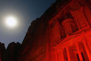 世界遺産ペトラ遺跡の観光は夜が安くてお得!?@ヨルダン【海外観光情報】