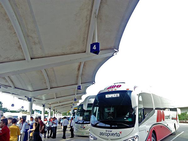 カンクン バス